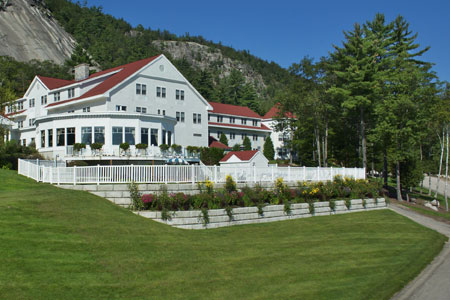 Nine, Wine & Dine at the White Mountain Hotel