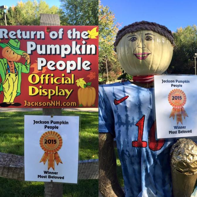 Congratulations Comfort Inn & Suites on their Pumpkin People display
