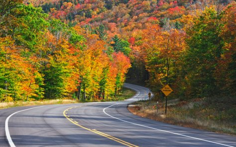 , Kancamagus Highway in autumn , White Mountain National Forest , New Hampshire ,